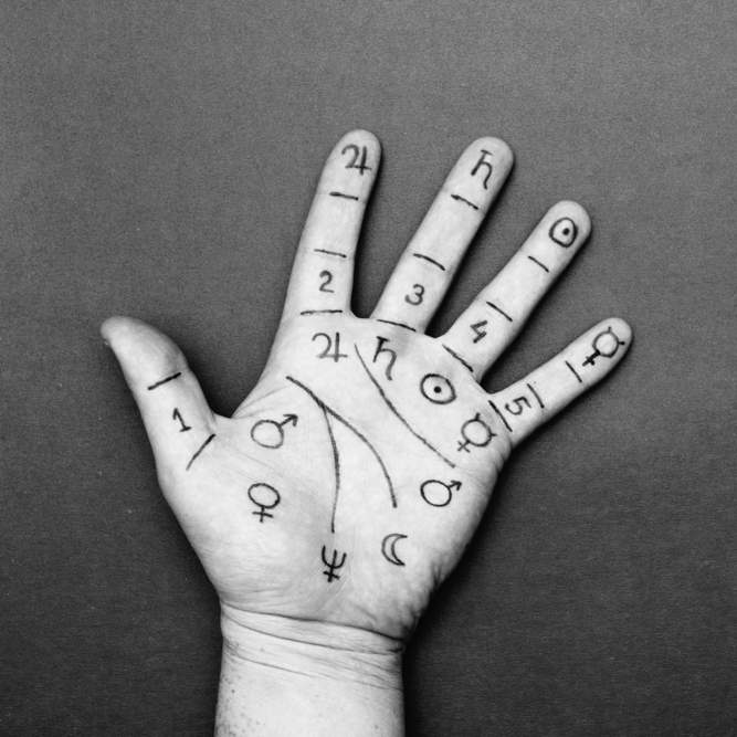 find-palmistry-at-metaphysical-life-expo